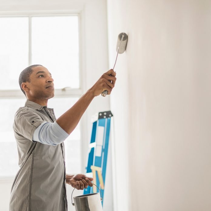 how to paint interior walls Gettyimages 565974977