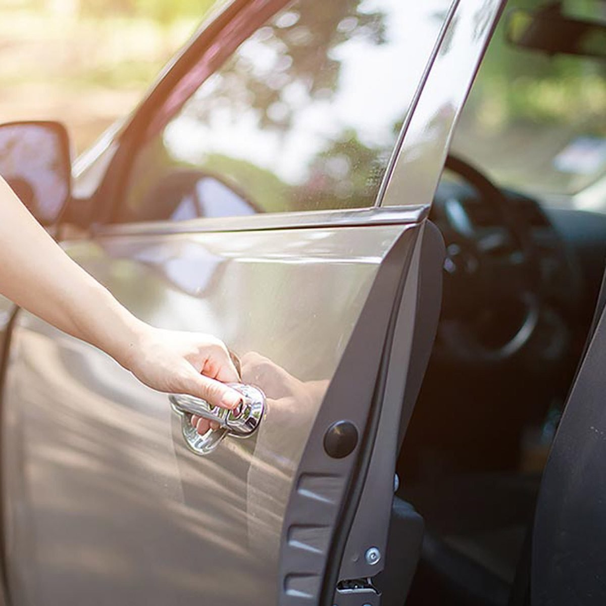Here S How To Unlock A Car Door Without Your Keys Reader S Digest