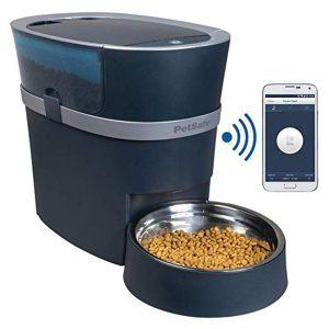 15 Tech Gadgets Every Pet Owner Needs