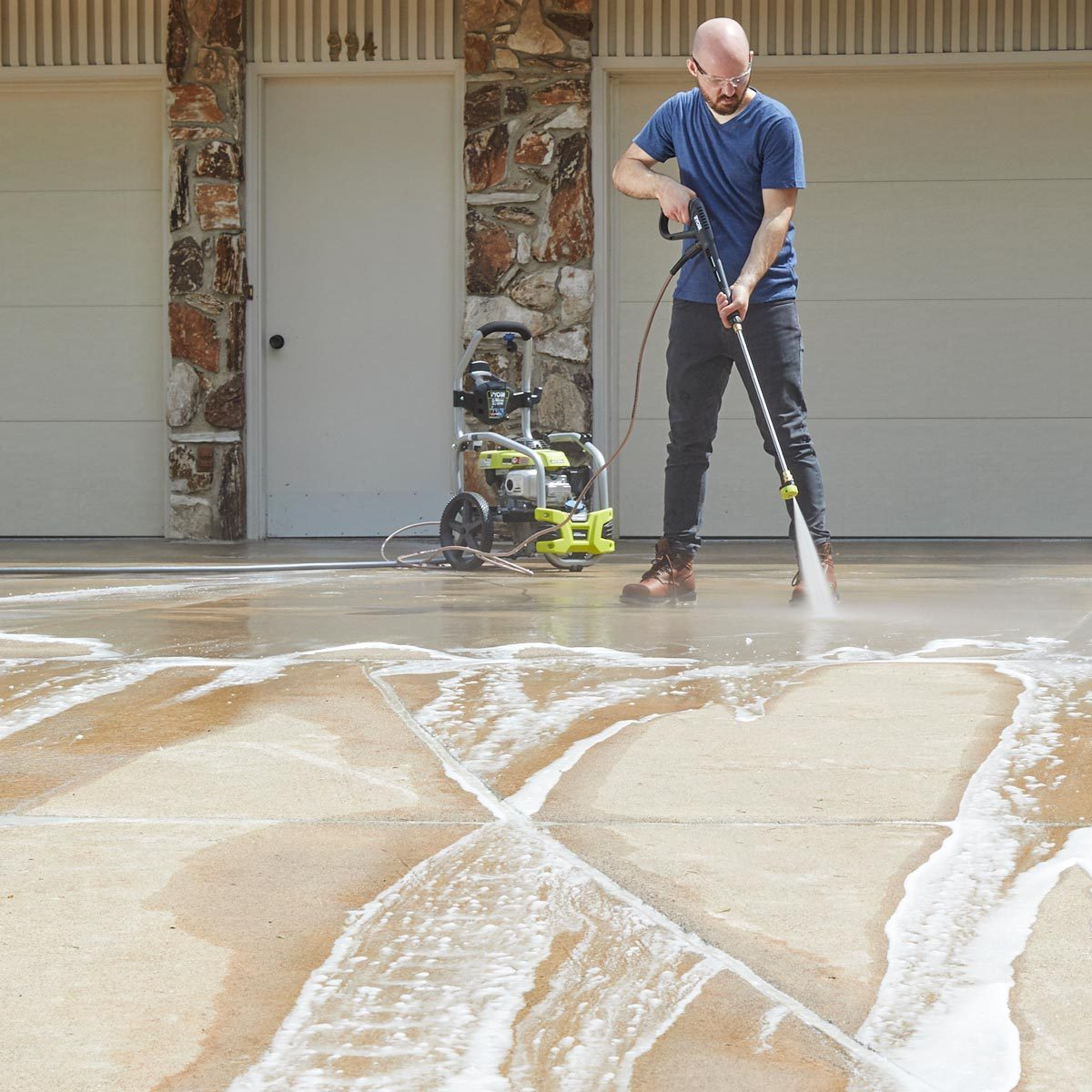 My First Time Pressure Washing a Driveway