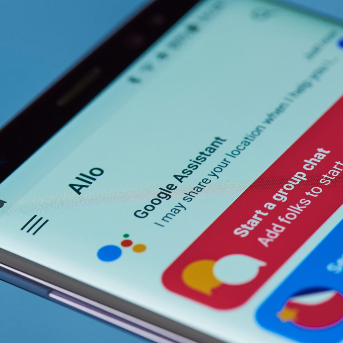 Google-Assistant-app-open-on-phone