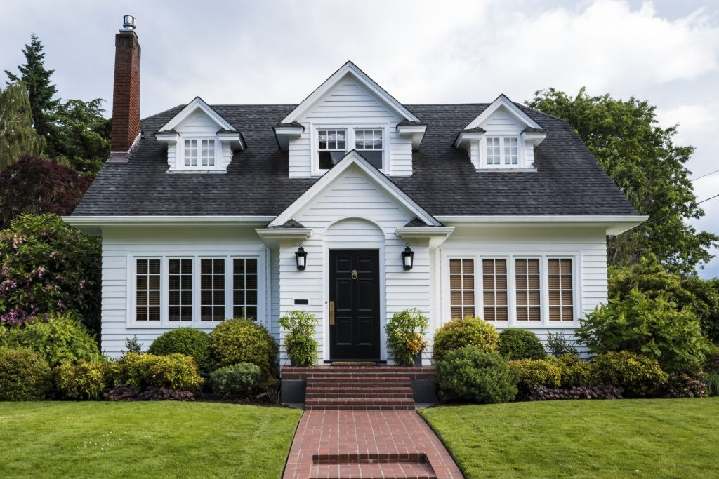 14 Things Smart Homeowners Do Before Going on...