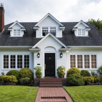 14 Things Smart Homeowners Do Before Going on Vacation