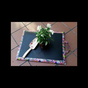 Easy DIY Garden Kneeling Pad