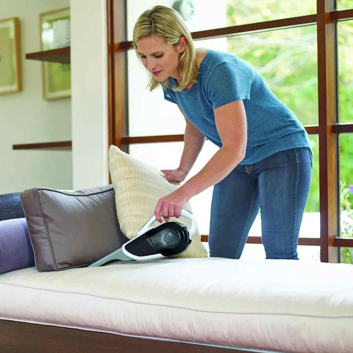 Black-and-Decker-Hand-Vacuum