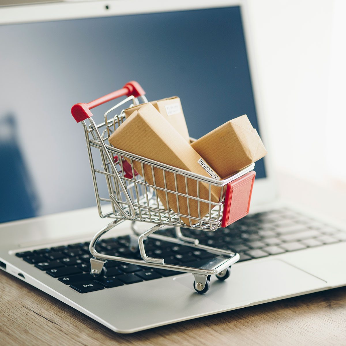 How to Avoid Adding Clutter on Black Friday and Cyber Monday