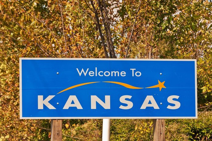 Welcome to Kansas state sign