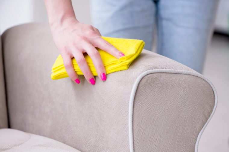Brilliant How To Clean A Microfiber Couch With A One Ingredient Couch Unemploymentrelief Wooden Chair Designs For Living Room Unemploymentrelieforg