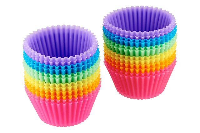 AmazonBasics Reusable Silicone Baking Cups, Pack of 24