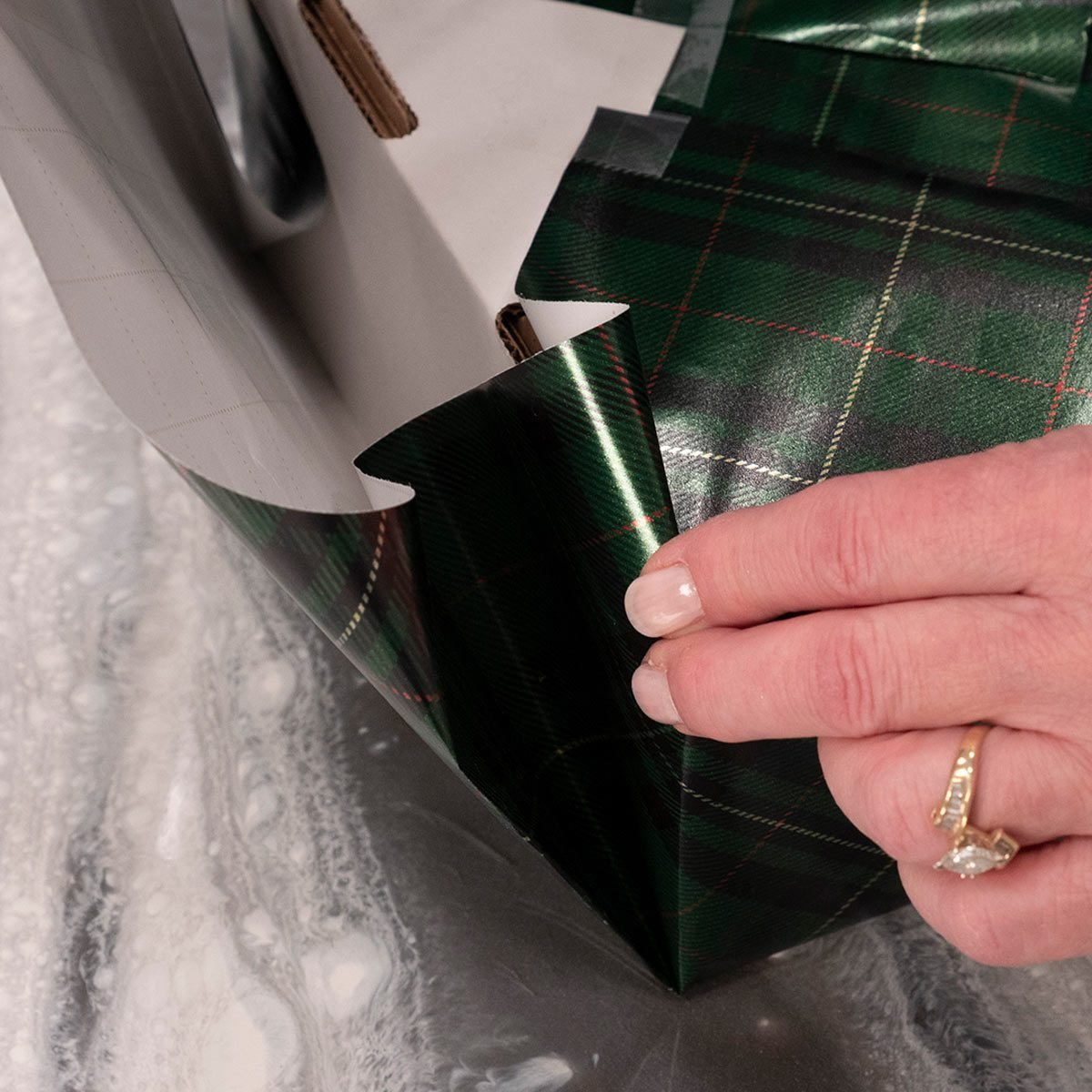 fold present edges flush