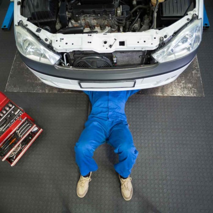 How to Avoid Getting Ripped Off by an Auto Mechanic