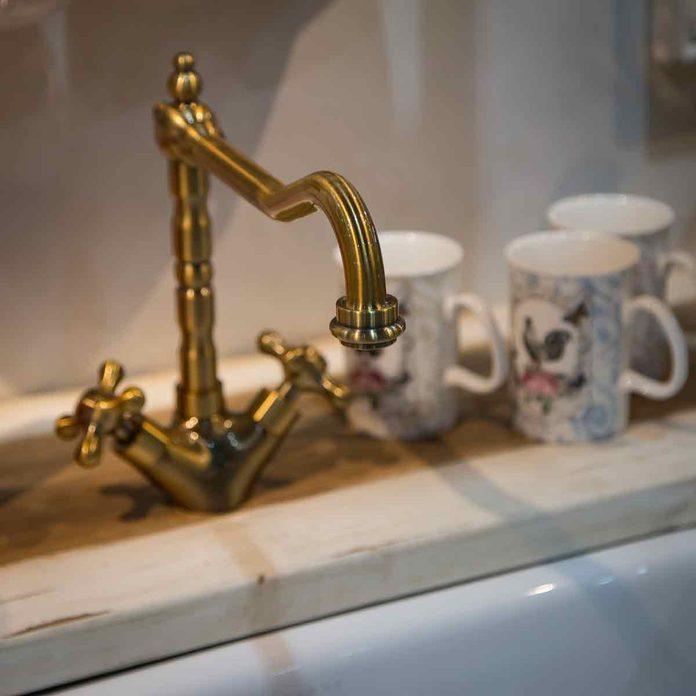 Oil-rubbed-bronze-faucet