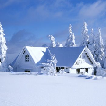 Things You Should Have in Your Home and Car to Be Prepared for Winter