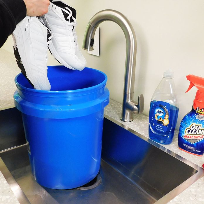 clean shoes with oxiclean and dish soap