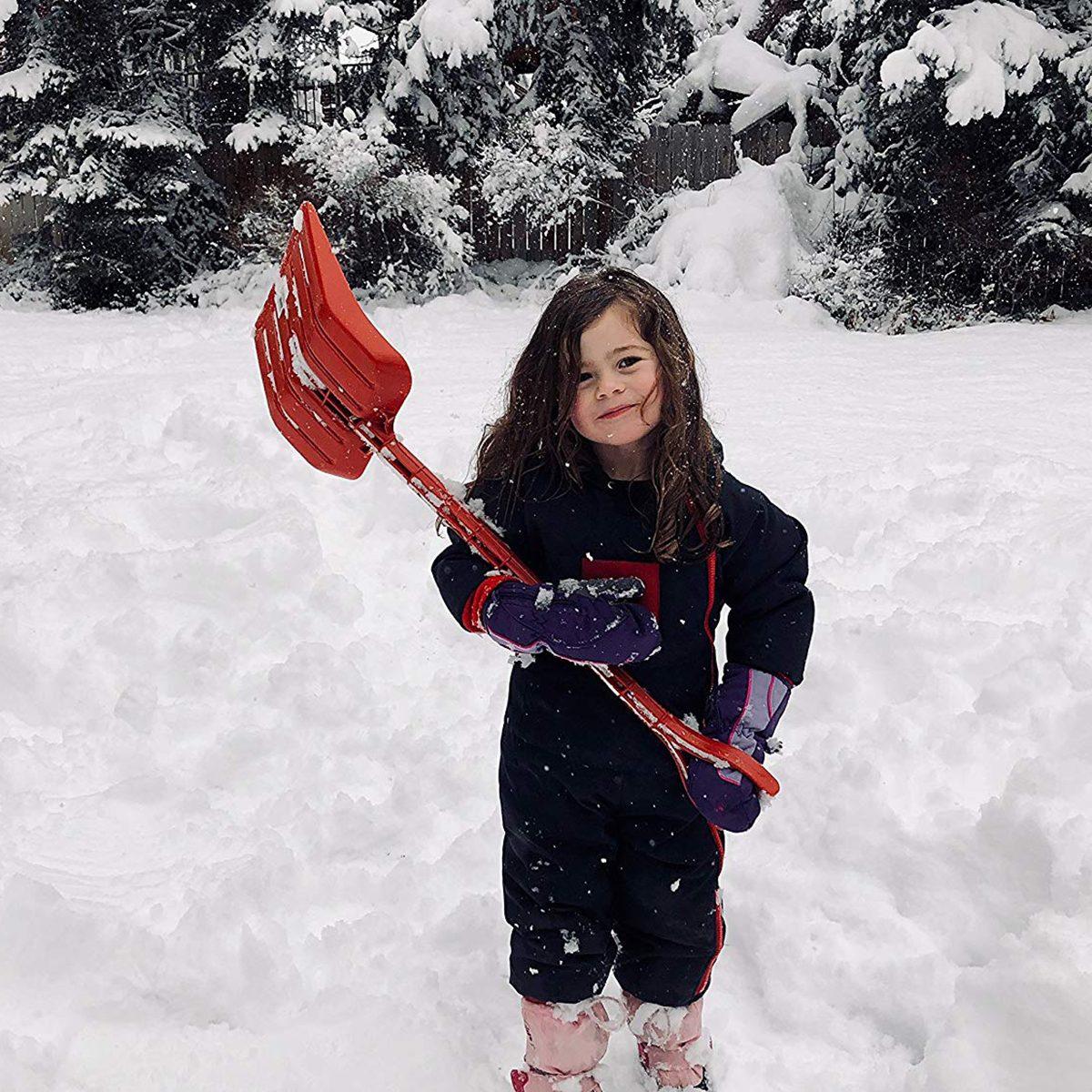 kids-shovel