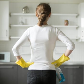 How to Keep Your Kitchen Clean One Minute at a Time