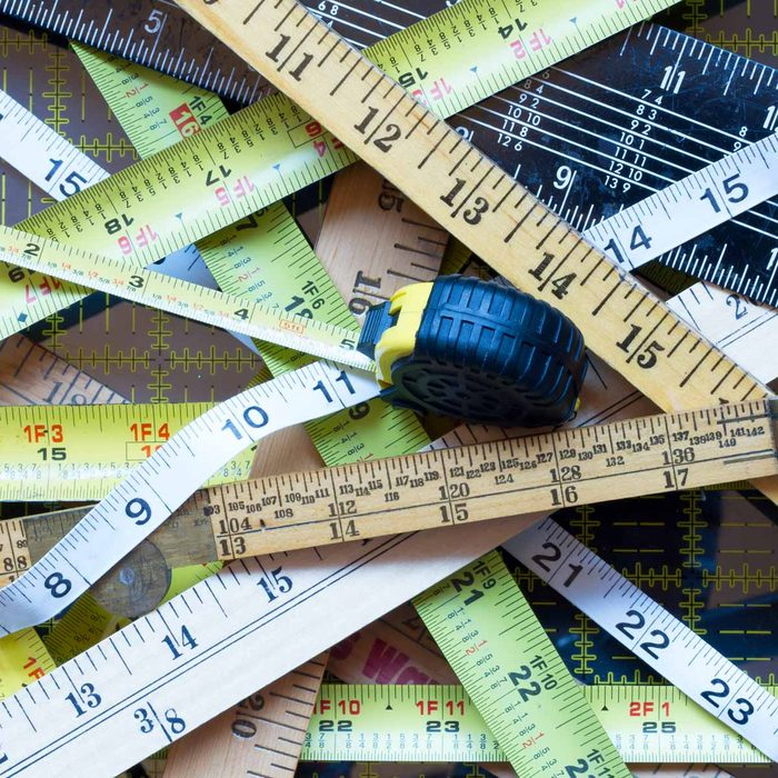 rulers tape measure yard stick