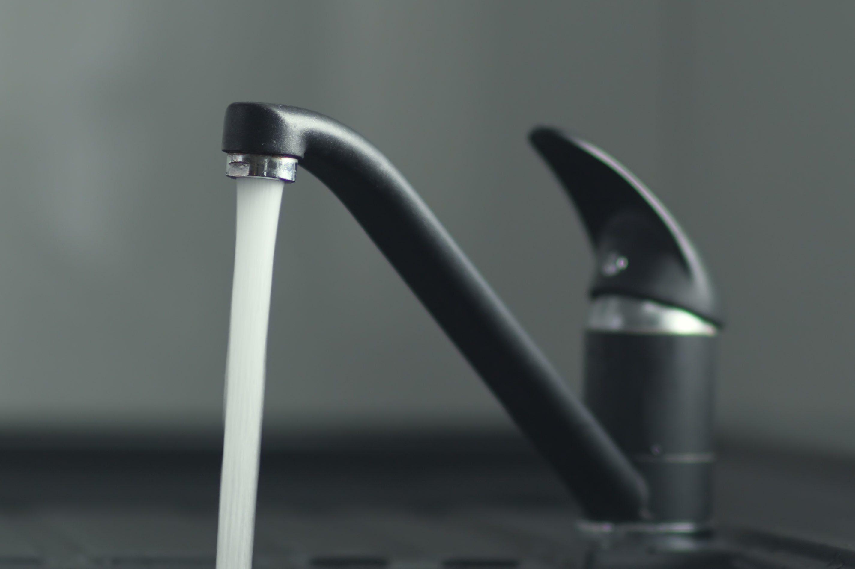 Hot running water granite tap
