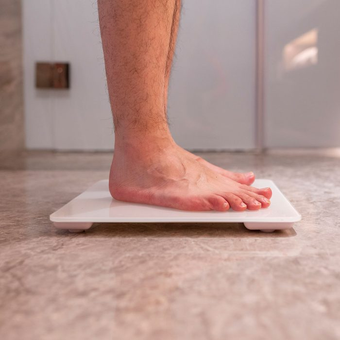 Using a Smart Scale Gettyimages 1196967996