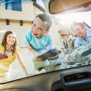 How to Wash Car Windows