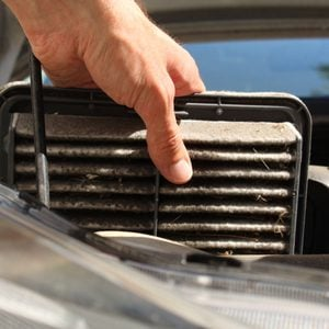 How to Clean a Car Air Filter
