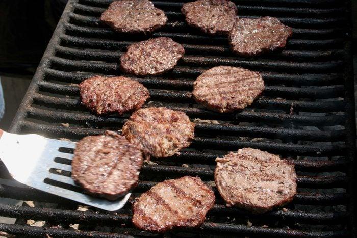 flip burgers grill