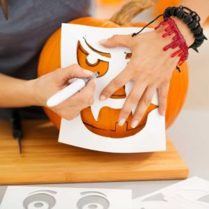 15 Genius Hacks for Halloween Pumpkin Carving You'll Use from Now On