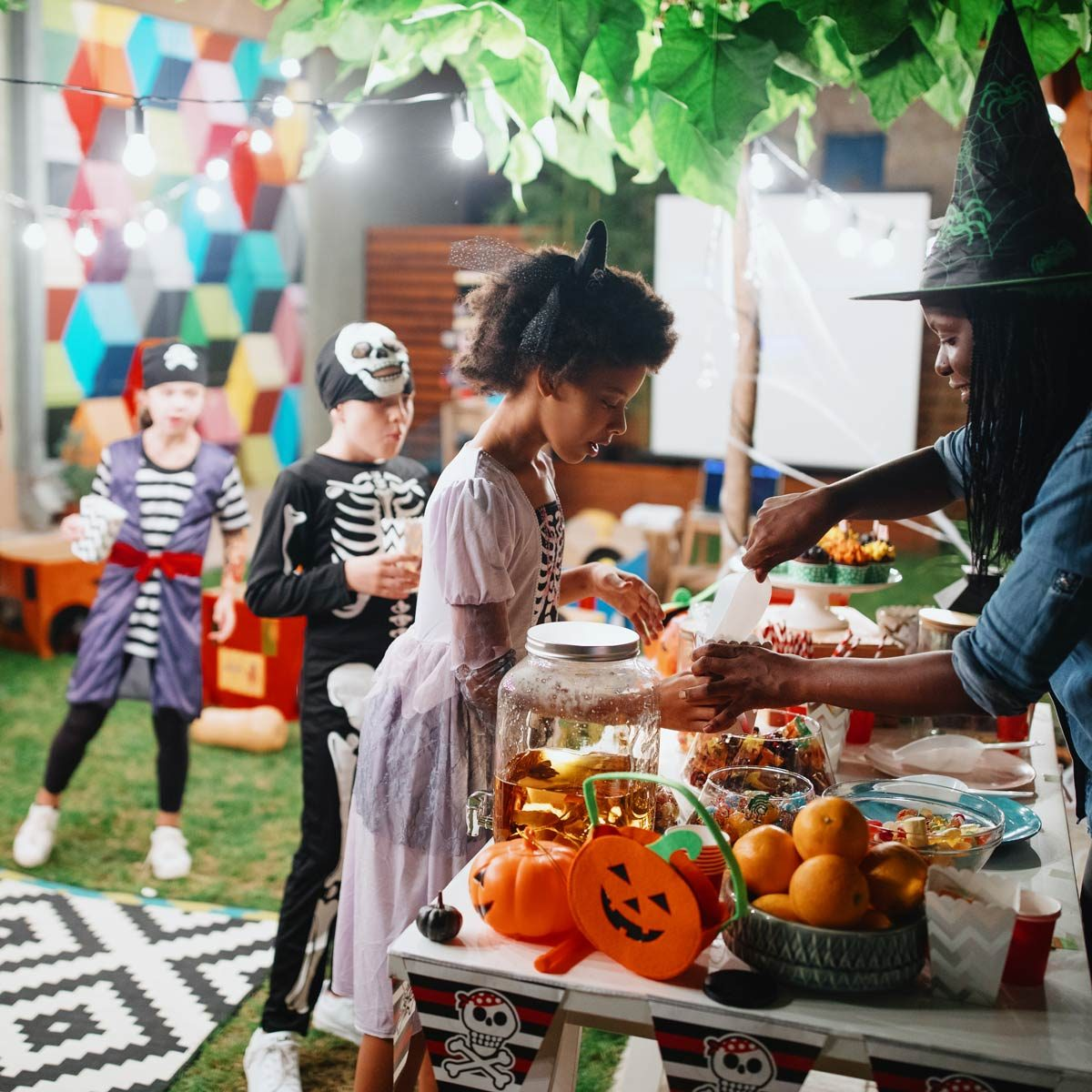 How to Throw the Best Halloween Party