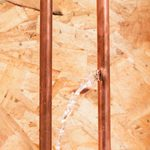 Signs of Frozen Pipes (And How to Unfreeze Them)