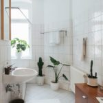 10 Things People Who Always Have a Clean Bathroom Have in Common