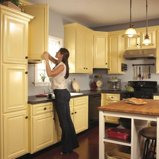 To Spray Paint Kitchen Cabinets Diy, Is It Better To Spray Paint Kitchen Cabinets