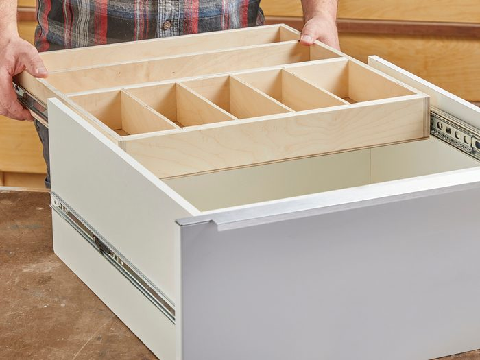 Install the drawer Fh21mar 608 51 028