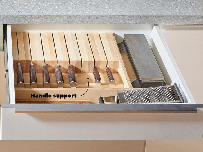 Hidden Knife RackFh21mar 608 51 102 Kniferack