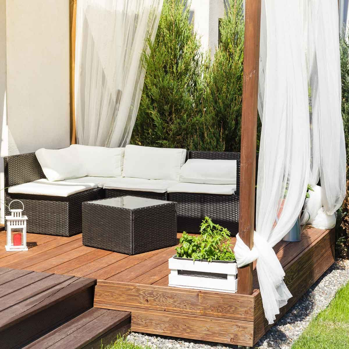 Guide to Choosing the Best Outdoor Curtains