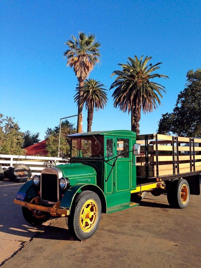 1928 fageol vintage truck