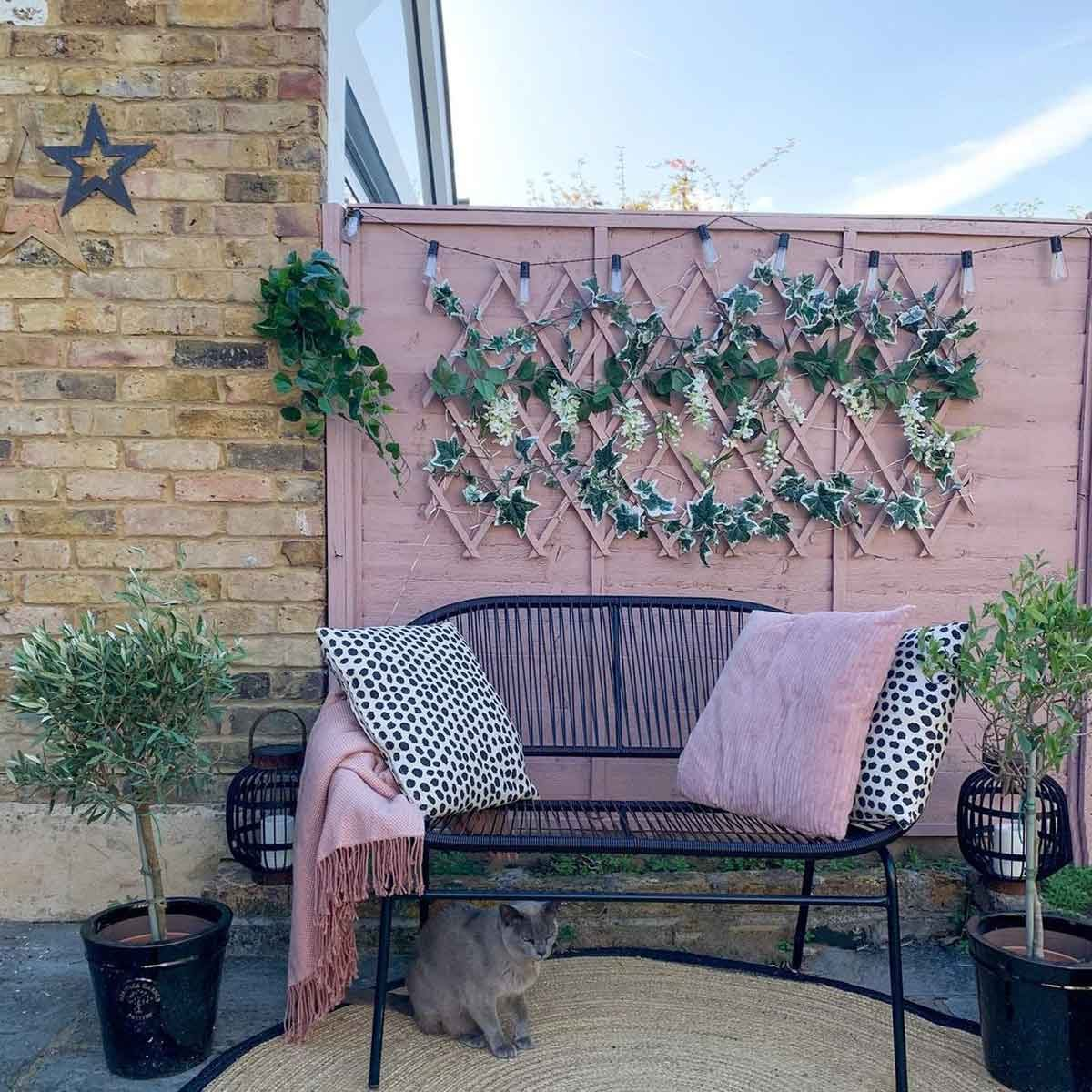 Fence Paint: 10 of the Best Color Ideas
