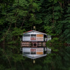 What to Know About Building a Cabin or Second House