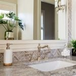How to Keep Your Bathroom Counter Clean and Organized