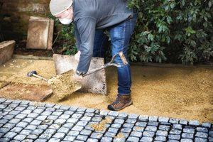 10 Tips To Help You Renovate Your Yard on a Budget