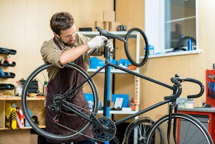 Adjusting Bicycle Saddle