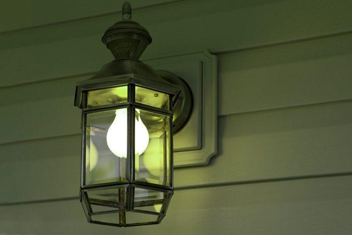 Green Porch Light02