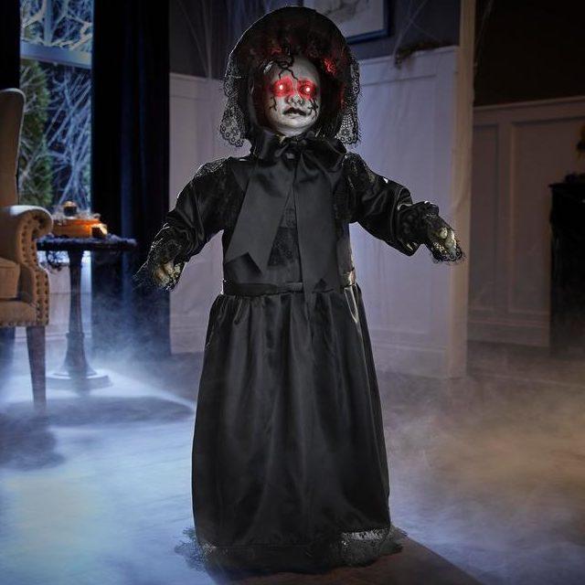 Jittery Jessica Creepy Reveal Doll