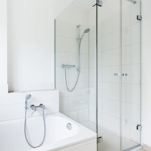 How to Clean a Shower in 6 Steps